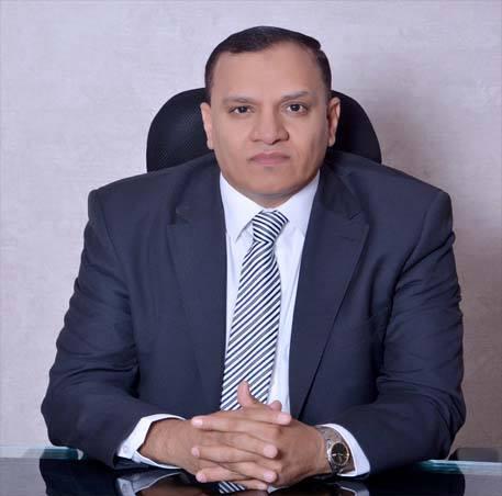"""""""محمود رمضان"""" يترشح لانتخابات الرئاسة المصرية ويعرض برنامجه الانتخابي"""