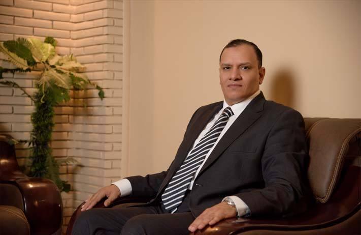 """مرشح محتمل لانتخابات الرئاسة يكشف عن أول قراراته: """"هغير اسم رئيس الجمهورية"""""""